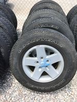 "Image ONE SET OF (FIVE) JEEP JK 17"" ALUMINUM WHEELS"