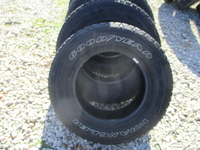 Image FIVE P245/75R17 GOODYEAR SILENT ARMOR TIRES FOR SELL